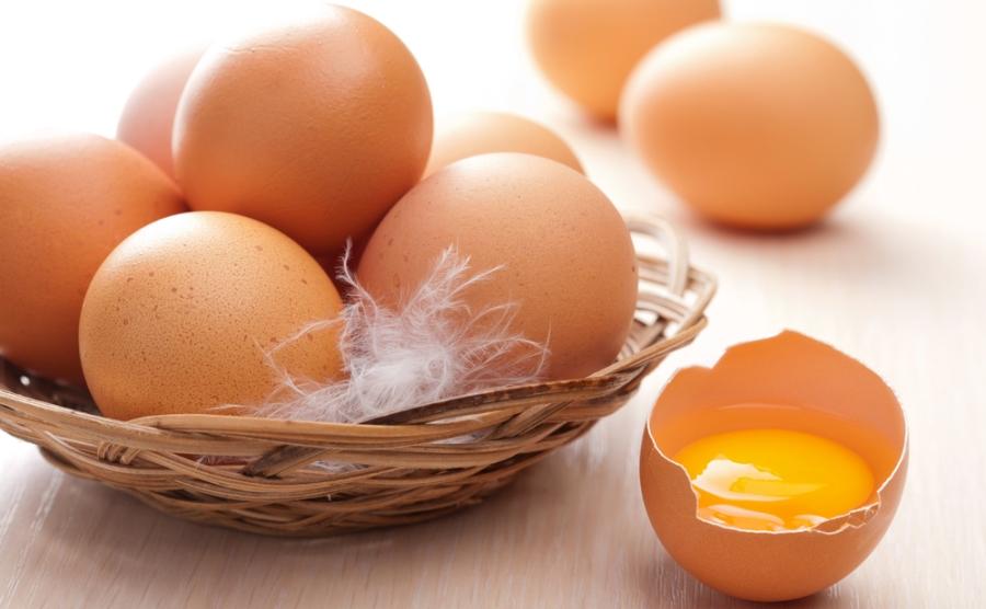 які яйця купувати - білі чи коричневі