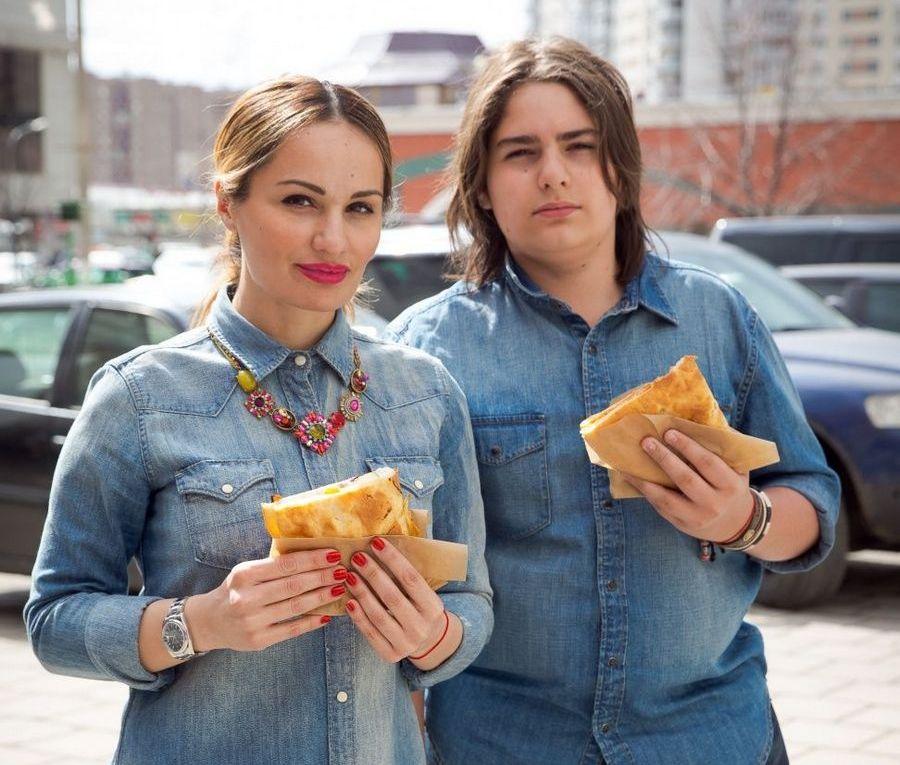 Хатуна Колбая і її старший син Іраклі