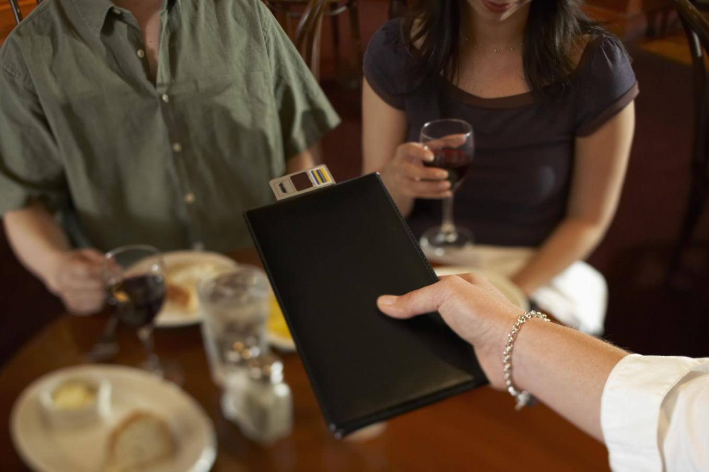 17 правил ресторанного етикету, які соромно не знати