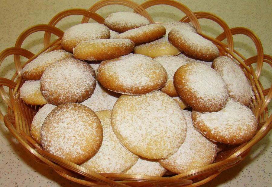 Печенье с сахарной пудрой
