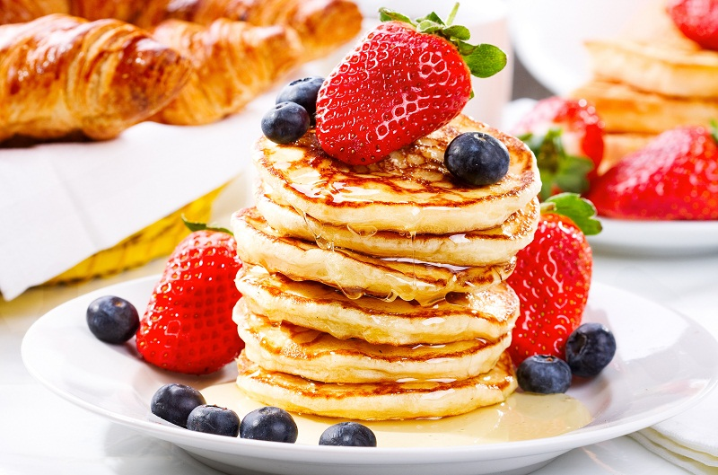 сніданок школяра оладки