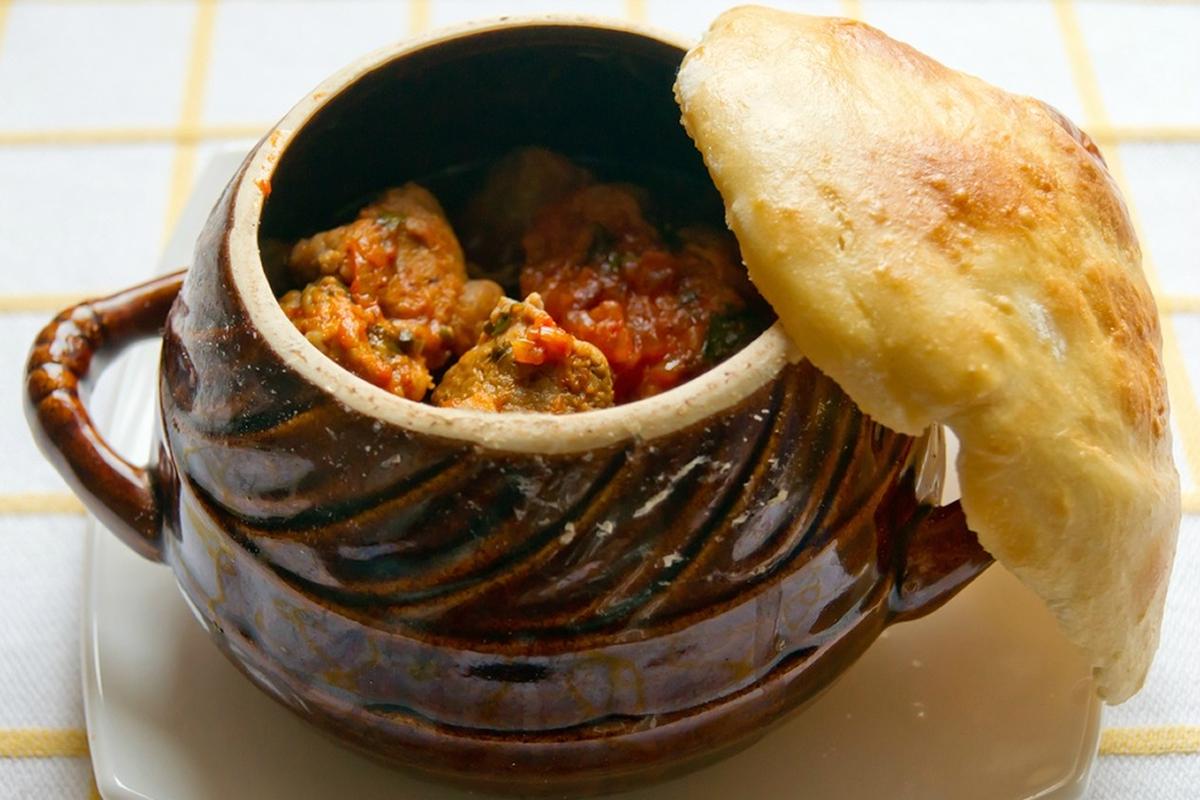9 рецептів приготування страв у горщиках