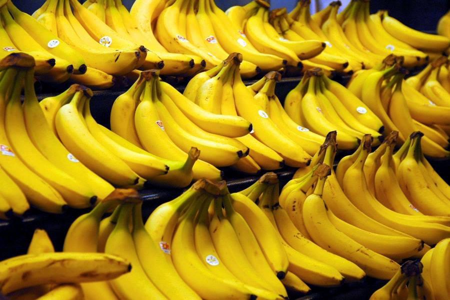 12 причин їсти банани щодня