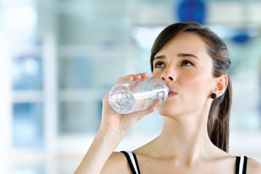 6 тривожних сигналів про те, що ви п'єте мало води1