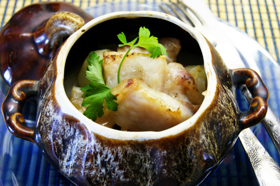 Риба з овочами в горщиках