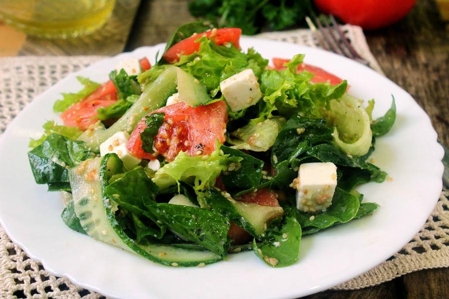 Салат з куркою і фетою