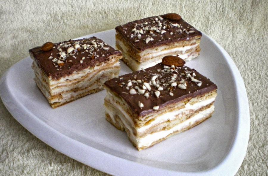 рецепти тортів без випічки на вафлях