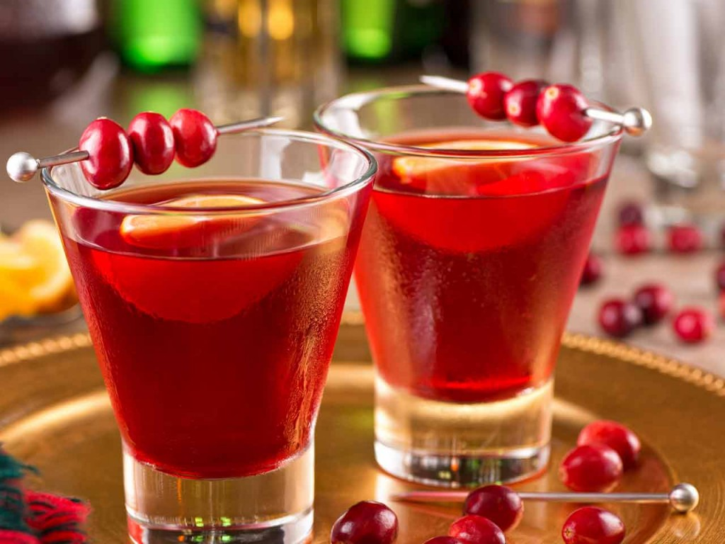 1449296241_christmas-cocktail-ideas-230548438-1280