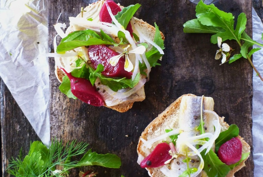 Beetroot Aragula Open Sandwich