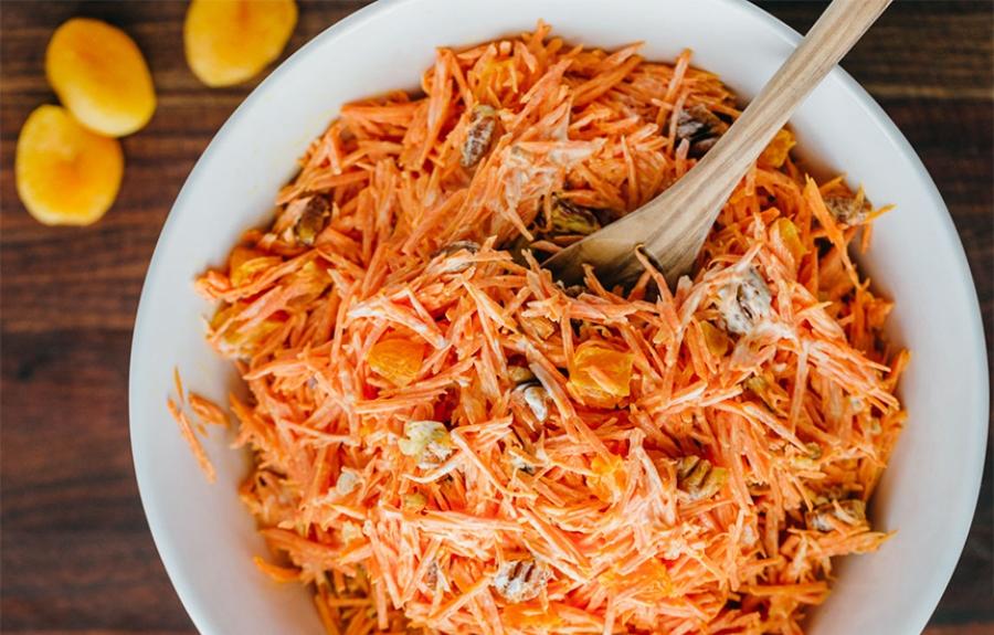 morkvyanij-salat-z-kuragoyu