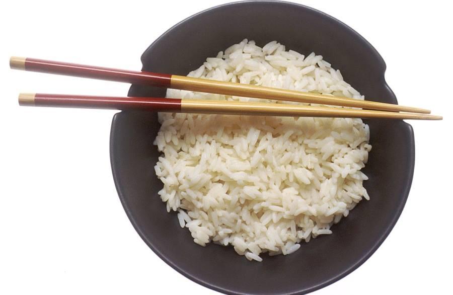 Як не можна їсти: 19 табу застільного етикету різних країн