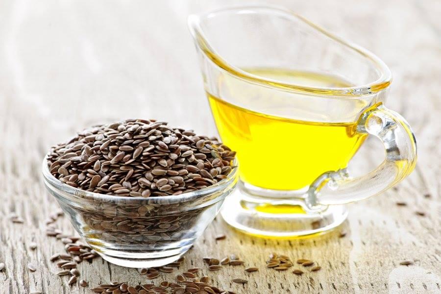 8 рослинних олій, які варто ввести у свій раціон. Лляна