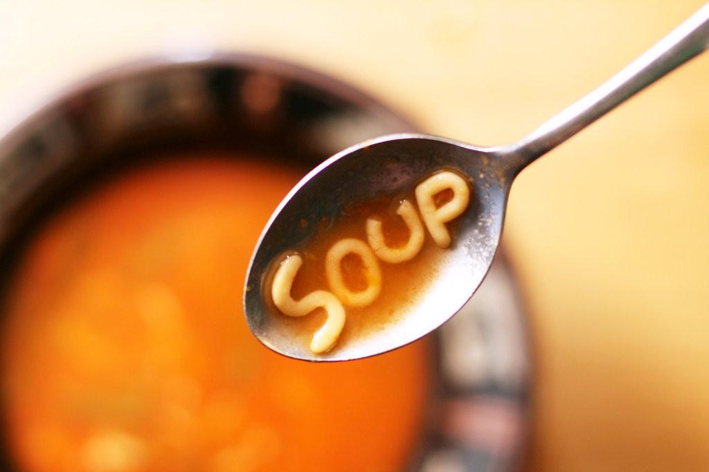 Як не можна їсти. 19 табу застільного етикету різних країн